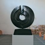 Eternité, 2008, granit d'Inde, ∅ 80 cm