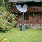 Le grand voyageur, 2002, granit d'Afrique, 483 x 170 x 60 cm