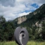 Spirale à la terre, 1995, granit d'Afrique, 225 x 217 x 80 cm