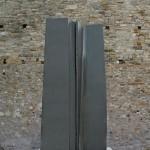 Monolithe, 2008, granit d'Inde, 275 x 150 x 100 cm