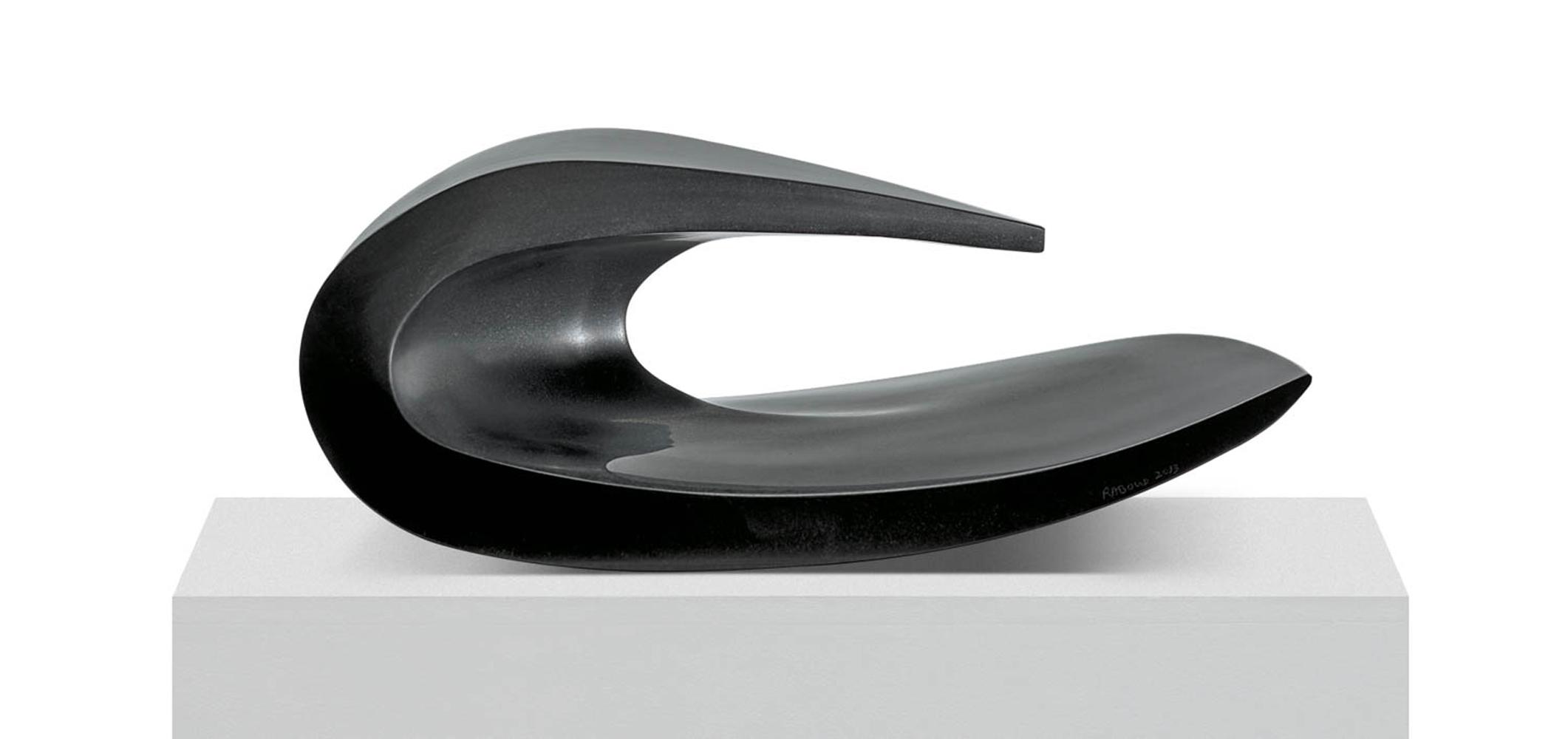 Dans la vague 3, Granit d'Inde, 2013, 23 x 55 x 40 cm
