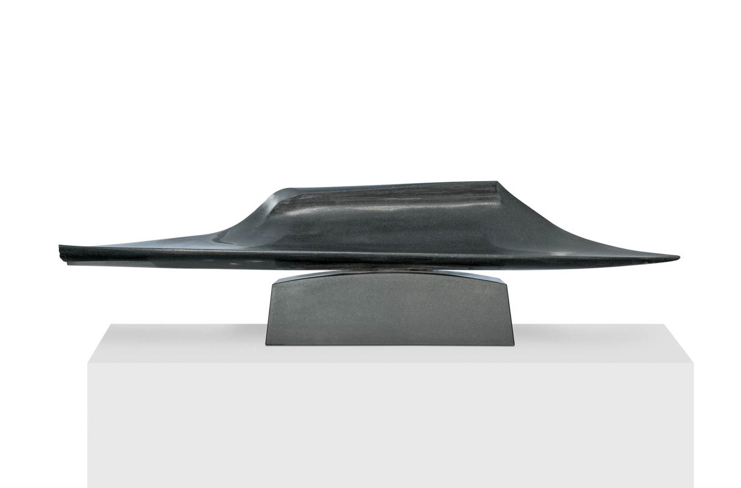 Dans la vague 5, Granit d'Inde, 2014, 45 x 150 x 27 cm