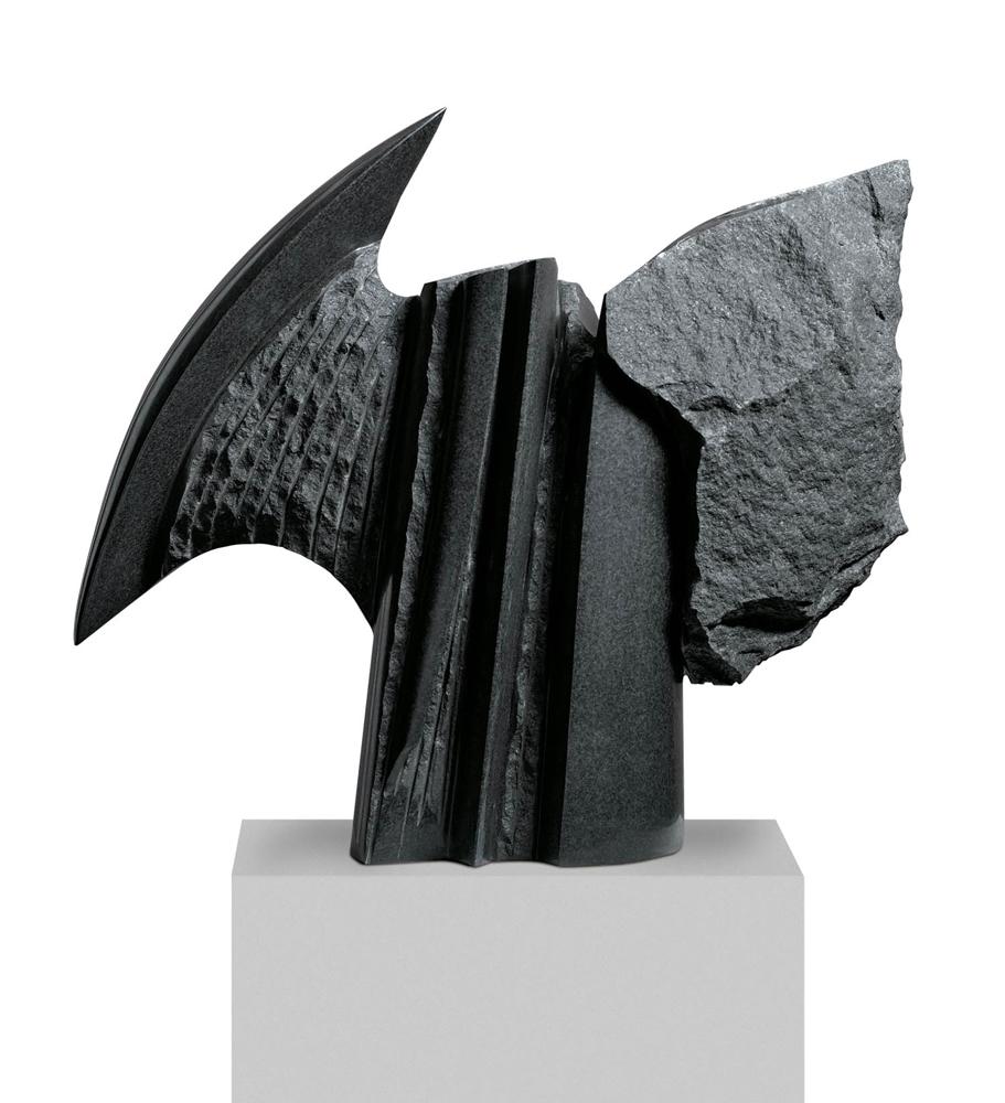 L'homme ailé, Granit d'Inde, 2009, 54 x 70 x 22 cm