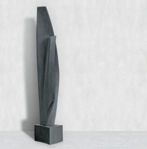 Sous ton aile, Granit d'Inde, 2013, 260 x 55 x 45 cm